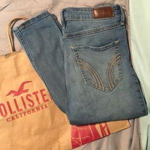 Médium Wash Ripped Hollister Jeans